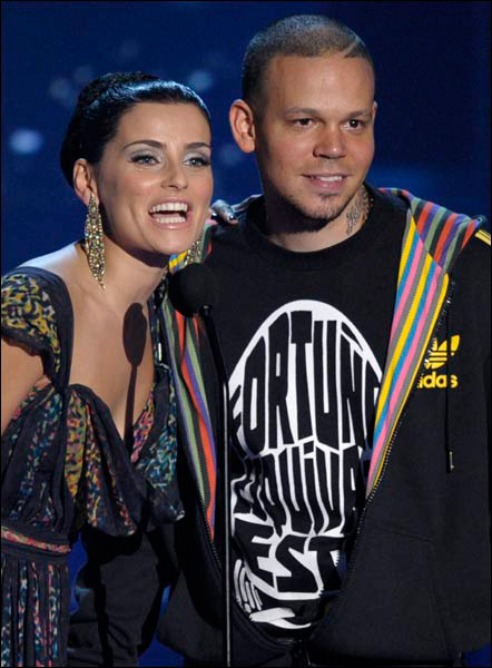 """Residente Calle 13 en MTV """"Fortuño esquevate esto"""" (Foto MTV)"""