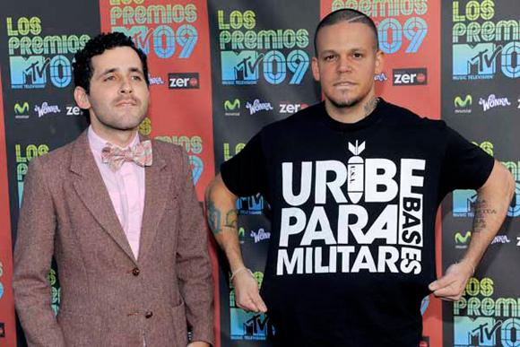 """Residente Calle 13 en MTV """"Uribe paramilitar"""" (Foto AP)"""