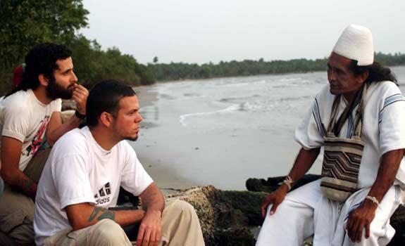 La empatía de 'Residente' con arhuacos y koguis surgió durante un viaje por el continente.