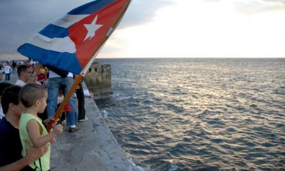 Peregrinación en homenaje a Camilo Cienfuegos, en ocasión del aniversario 50 de la desaparición física del Héroe, en La Habana, Cuba, el 28 de Octubre de 2009. AIN FOTO/Omara GARCIA MEDEROS