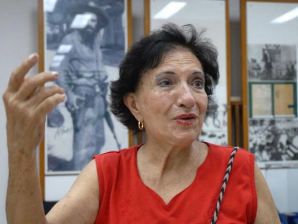 La escultora Thelvia Marín es la autora de las obras en bronce del Museo Nacional Camilo Cienfuegos, con la estatua del Héroe como elemento distintivo, y del Mausoleo Frente Norte de Las Villas, en Yaguajay,Sancti Spíritus, Cuba, el 21 de octubre de 2009. AIN/ FOTO Oscar ALFONSO SOSA