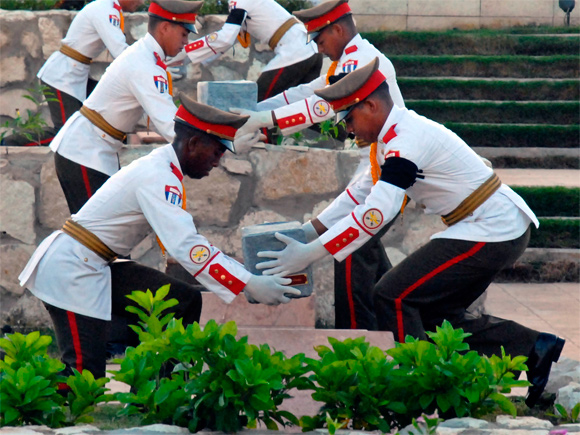 Ceremonia de inhumación de combatientes, Villa Clara
