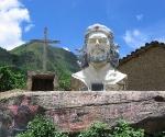 Escultura del Che Guevara en La Higuera