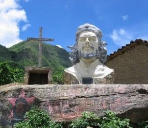 Brigada médica cubana en Bolivia realiza peregrinación en homenaje al Che