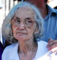 Fina García Marruz(esposa) en el sepelio del destacado poeta cubano Cintio Vitier en la Necrópolis de Colón, en La Habana, Cuba, el 2 de octubre de 2009. AIN FOTO/Yaciel PEÑA DE LA PEÑA/are