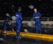 Ingenieros y Especialistas de la Empresa Nacional de Investigaciones Aplicada (ENIA) realizaron una investigación con alta tecnología para valorar el estado del puente de Bacunayagua, que se encuentra en la carretera Vía Blanca dividiendo las provincias La Habana y Matanzas, el 18 de octubre de 2009 AIN/FOTO Marisol RUIZ SOTO