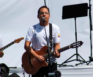 Presentará Juan Fernando Velasco su último disco en un concierto