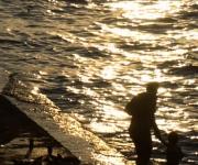 Atardecer en el Malecón de La Habana, Cuba, 30 de octubre de 2009. AIN FOTO/Sergio Abel REYES