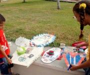 Papalotes realizados por niños cienfuegueros, con motivo de la jornada Camilo-Che, el 24 de octubre de 2009, en la plaza de actos de la provincia de Cienfuegos.