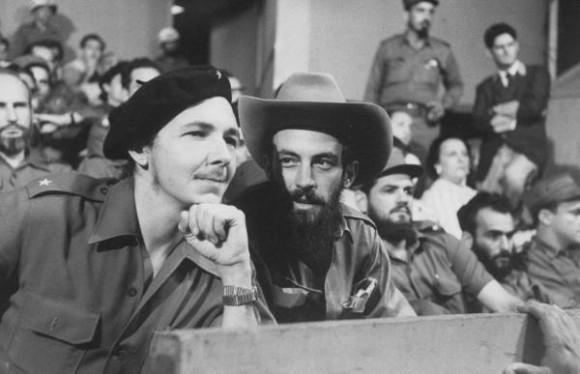 Raúl y Camilo Cienfuegos, Julio 1959 (Foto Revista Life)