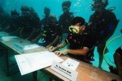 reunión submarina Islas Maldivas