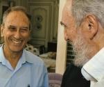 Saul Landau y Fidel Conversan durante una de sus últimas visitas a Cuba