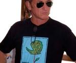 Sean Penn en la Isla de la Juventud. Foto: Evelio Medina Rodríguez / Periódico Victoria