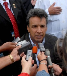 """Lenín Moreno Garcés, Vicepresidente de la República del Ecuador, ofreció declaraciones a la prensa, a su arribo a nuestro pais, el 18 de Octubre de 2009, en la Terminal No. 1 del Aeropuerto Internacional """"José Martí"""" AIN FOTO/Oriol de la Cruz ATENCIO"""