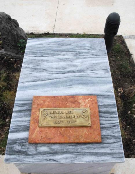 Nicho donde serán inhumados los restos de Sergio del Valle, quien fuera Capitán Médico de la Columna Invasora No. 2 Antonio Maceo, comandada por Camilo, en Yaguajay, Sancti Spíritus, Cuba, el 20 de octubre de 2009. AIN/ FOTO Oscar ALFONSO