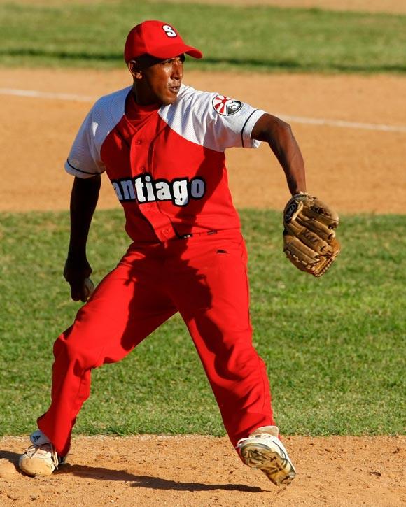Osmani Tamayo en uno de sus juegos frente a La Habana. Foto: Alex Castro