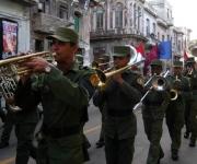 Banda de musica al frente de la marcha de jóvenes universitarios y pueblo en La Habana, Cuba, el 27 de noviembre de 2009 en ocasión del Aniversario 138 del fusilamiento de los ocho estudiantes de medicina asesinados en 1871. Foto: Sergio Abel Reyes
