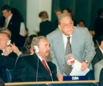 Fidel junto a Juan Nuiry en la Cumbre Mundial de la FAO, 1996