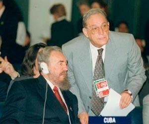 Fidel Castro junto a Juan Nuiry en la Cumbre Mundial de la FAO, 1996
