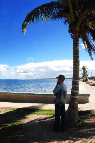Malecón de Puerto Padre,en la oriental provincia de Las Tunas,Cuba, el 23 de noviembre de 2009. AIN FOTO/Yaciel PEÑA DE LA PEÑA