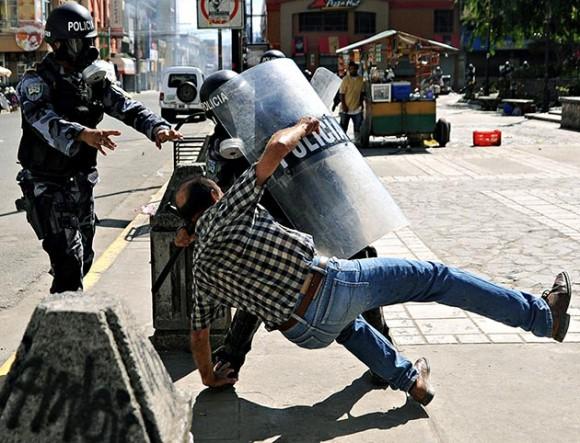 Envía el Frente Nacional de Resistencia popular de Honduras carta abierta al Grupo de Río