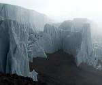Las nieves perpetuas del Kilimanjaro, la montaña más alta de África, están desapareciendo y en unos pocos años serán historia pasada