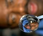 la-foto-del-dia_astronauta-en-una-gota-de-agua
