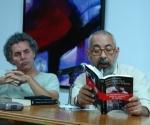 Leonardo Padura en la UNEAC el 24 de noviembre de 2009 (Foto: Cubadebate)