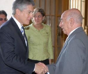 Canciller australiano destaca humanismo de Cuba y rechaza bloqueo de EEUU