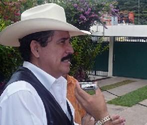 Una burla, llamar a elecciones para que el ejército quite al presidente cuando quiera, dice Zelaya
