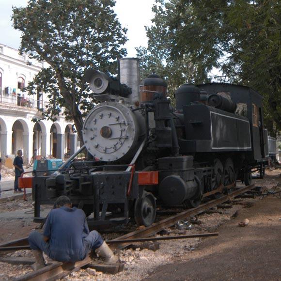 Recuperan viejas locomotoras para el Museo del Ferrocarril cubano