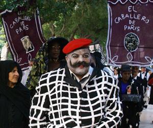 Procesión por Prado de pacientes psiquiátricos dedicada al Caballero de Paris