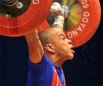 Sergio Alvarez, de Cuba, ganador de la medalla de Bronce, en la categoría 56 kg., masculinos, del Campeonato Mundial de Levantamiento de Pesas. Foto AIN