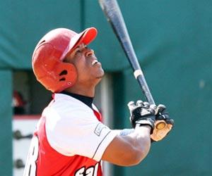 : Alexei Bell es el único pelotero con más de 25 jonrones y 25 bases robadas en una misma temporada. Foto: Alex Castro