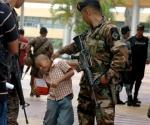 soldado-hondura-nino