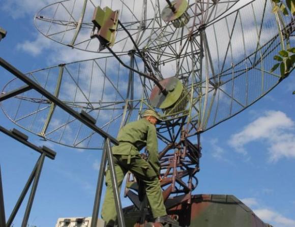 Unidad de exploración y lucha radio electrónica antiaérea durante el Ejercicio Estratégico Bastión 2009, en Santa Clara, provincia de Villa Clara, el 27 de noviembre de 2009 AIN FOTO/Arelys María ECHEVARRIA RODRIGUEZ