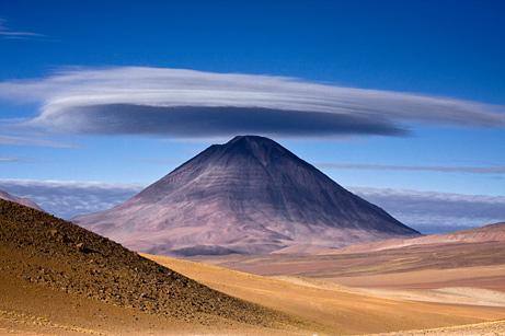 091207-03-cloud-volcano_big