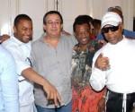 Conferencia de Prensa de la banda estadounidense Kool and the Gang en el Museo nacional de Bellas Artes, La Habana, Cuba. En el centro Abel Acosta, Viceministro cubano de Cultura.  Foto: Vladimir Molina/Prensa Latina