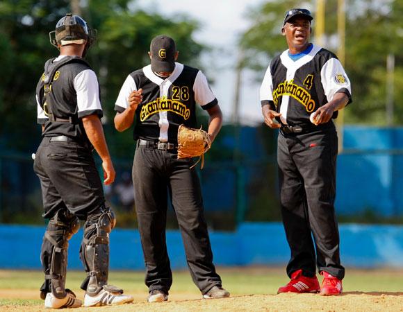 El pitcheo de Guantánamo fue machacado por los bateadores granmenses. Foto: Alex Castro