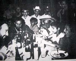 Cena en Soplillar: Fidel, Celia, Antonio Nuñez Jiménez...