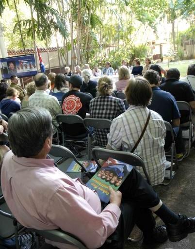 Miembros norteamericanos del grupo de intercambio humanitario Global Exchange, durante un conversatorio con familiares de los Cinco cubanos prisioneros políticos del imperio, en la sede del Instituto Cubano de Amistad con los Pueblos (ICAP), en La Habana