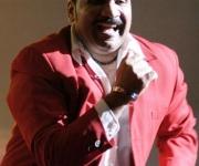 El cantante Moisés Valle (Yumurí) actua durante la primera Gala de Premiaciones Lucas 2009