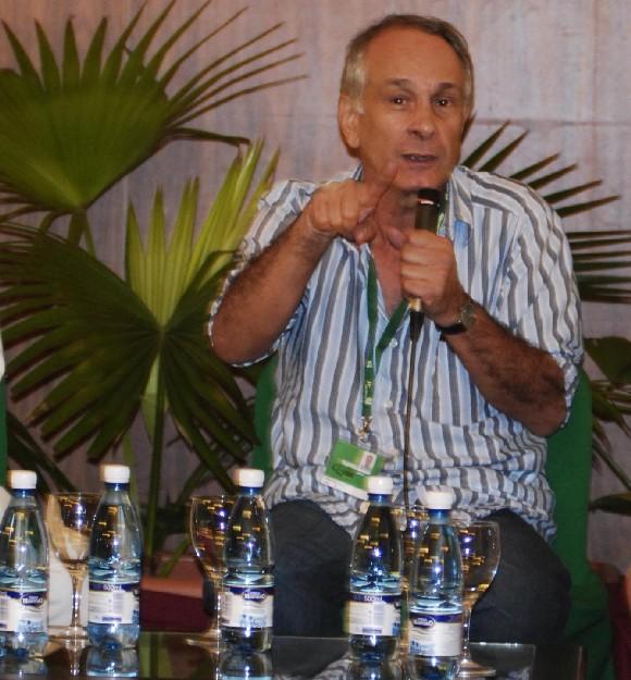 """Daniel Díaz Torres, director del filme cubano """"Lisanka"""", película en competencia en el XXXI Festival Internacional del Nuevo Cine Latinoamericano, durante conferencia de prensa realizada en el Hotel Nacional, en La Habana, Cuba, el 11 de diciembre de 2009. AIN FOTO/Abel Ernesto RUBIO"""