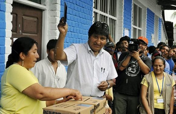 Reelección de Evo Morales como Presidente de Bolivia, 6 de diciembre de 2009. Foto: AFP