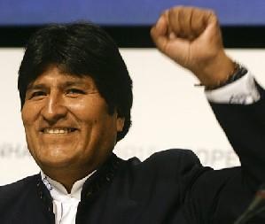 Uribe intentó sabotear la Cumbre, afirma Evo Morales