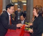 Familiares de los Cinco intercambian con parlamentarios vietnamitas en la Habana