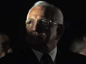 Dos organizaciones latinas piden el Nobel de la Paz para Roberto Micheletti. - AFP PHOTO / Claudia BARRIENTOS