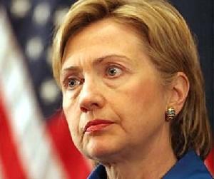 Hillary ya tiene quien le escriba