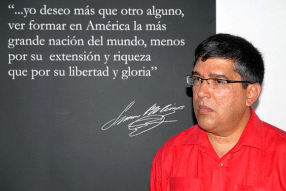 Ronald Blanco la Cruz , embajador de la República Bolivariana de Venezuela en Cuba durante acto celebrado en la Casa Simón Bolívar, La Habana Vieja, el 17 de diciembre de 2009, para recordar los 179 años de la desaparición física del Libertador