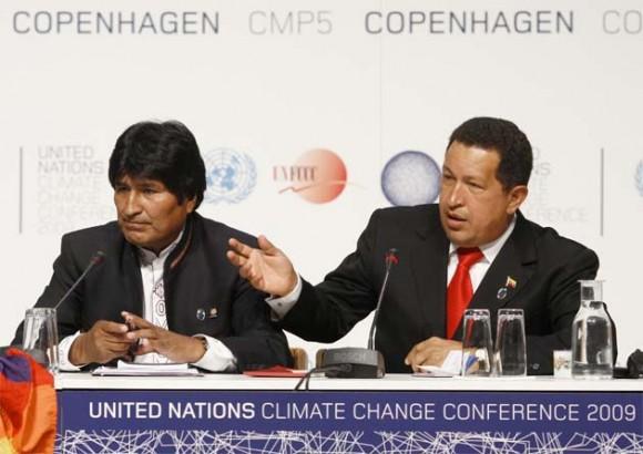 Hugo Chávez y Evo Morales durante la conferencia de Prensa en Copenhagen